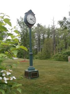 wells-train-clock