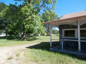 abandoned-farmstand