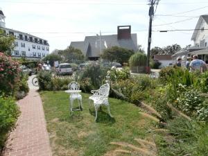 lawn-furniture
