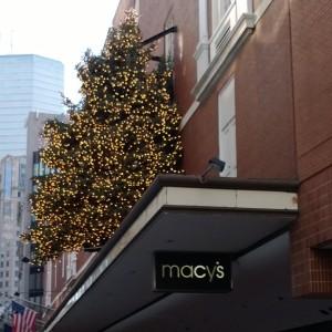 Macys-tree-Downtown-Crossing