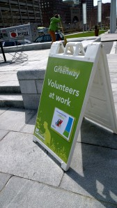earth-day-volunteering-in-greenway