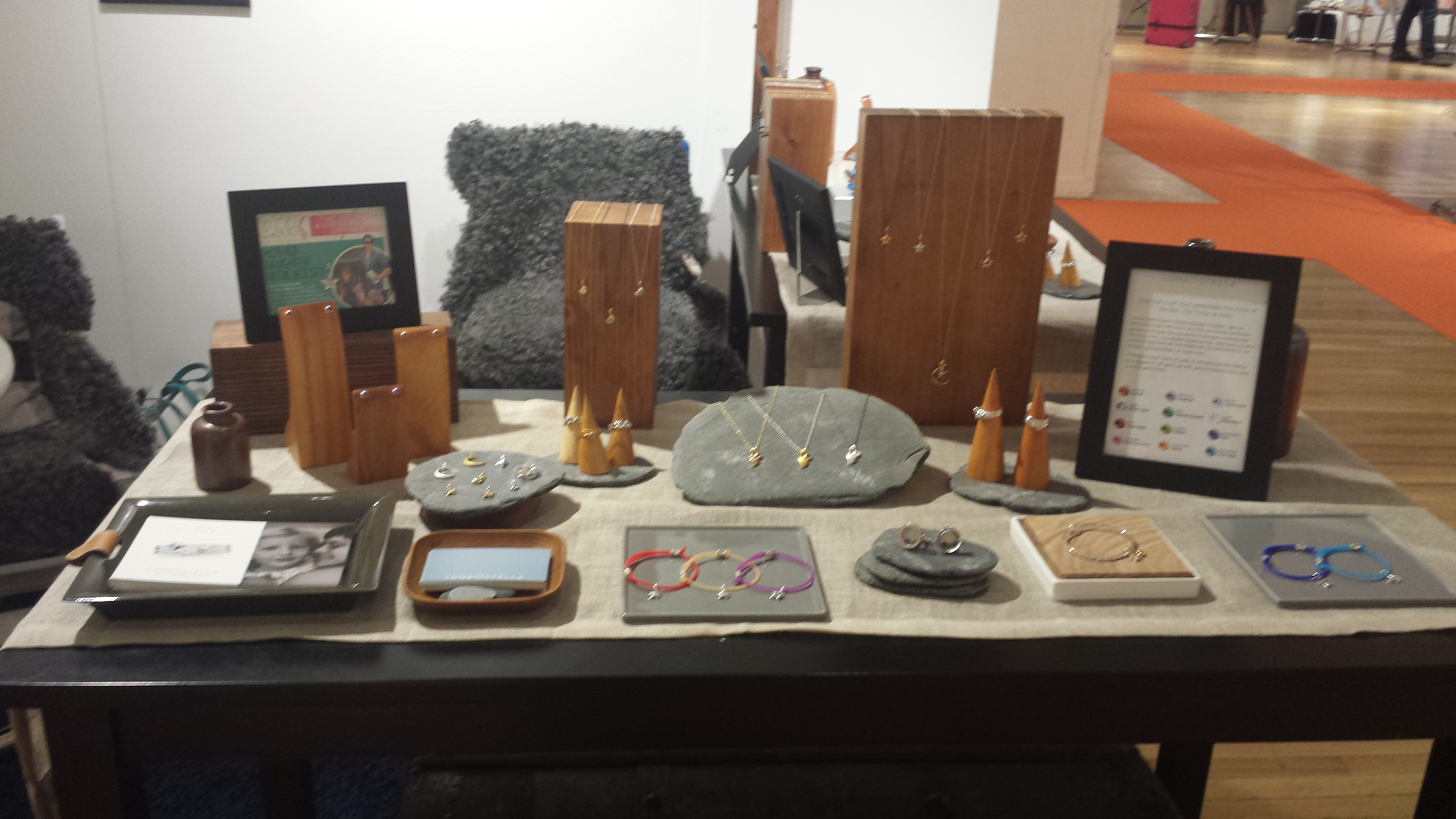 Luna stella hits the trade shows suzanne 39 s mom 39 s blog for Jewelry display trade show