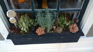 winter-window-box