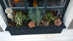 winter-window-box
