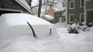 012715-family-car-in-snow