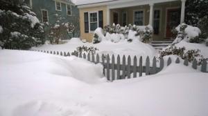 012715-snow-bank-blocks-gate
