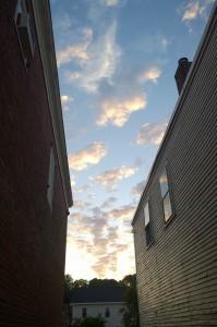 080515-clouds-between-bldgs