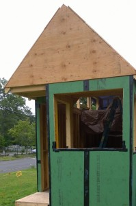 072515-tiny-house-moving-along