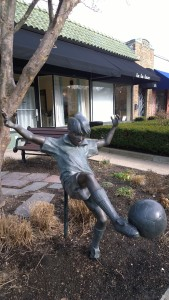 031616-soccer-statue