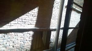 032216-sudden-light-narrow-alley