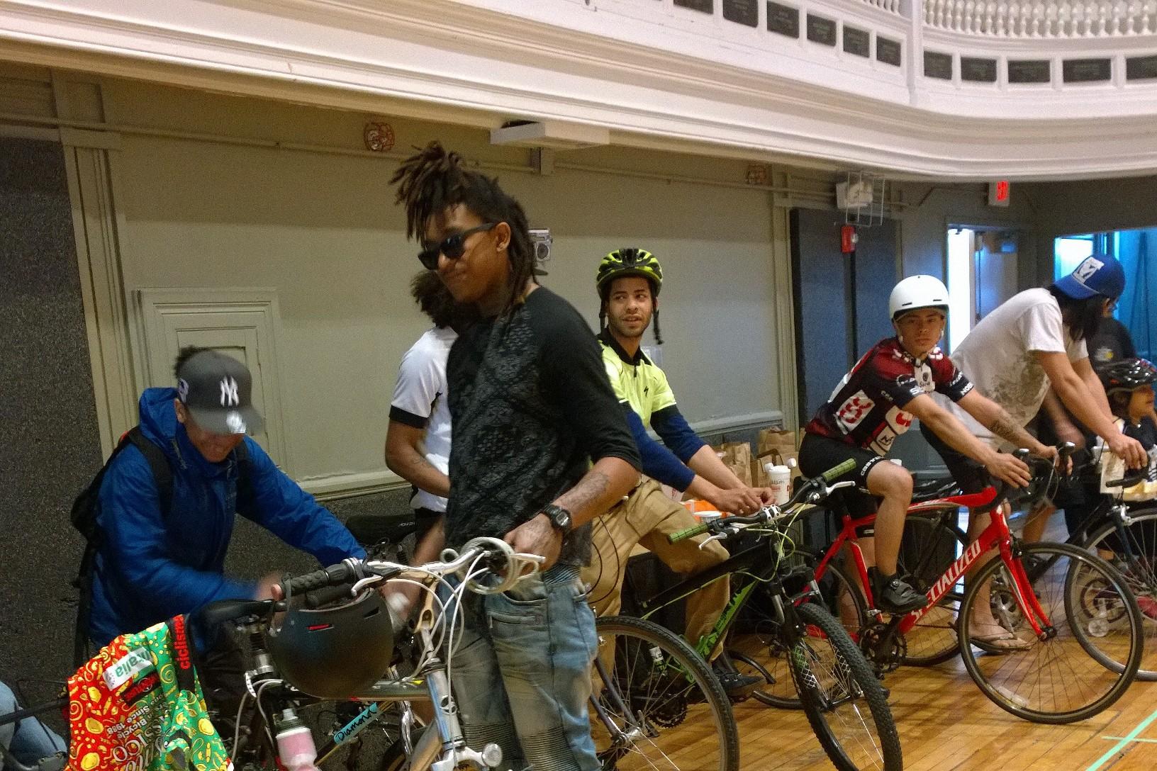 051516-UTEC-bike-clinic.jpg