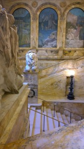 031717-rare-view-of-BPL-lion-sans-tourists