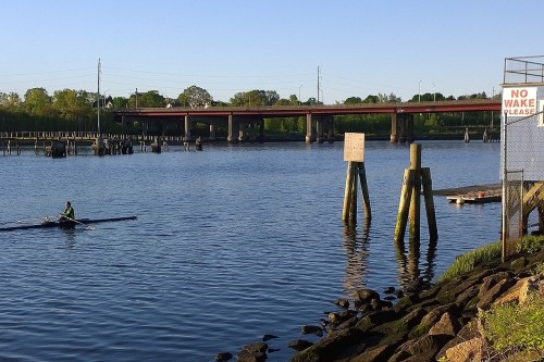 051617-sculling-on-the-Seekonk