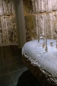 053017-rockc-wall-Artipelag-bathroom