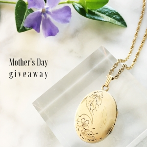 May-2017-Luna-and-Stella-locket-giveaway
