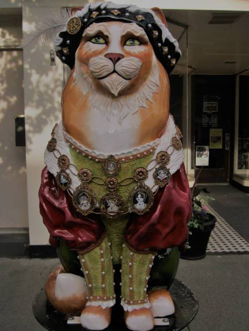 2017-Nancy-Whelan-cat-sculpture-Catskill-NY