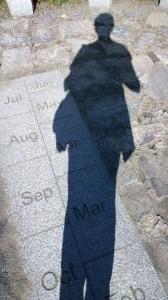 101917-sundial-says-2-pm