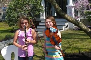 042818-young-musicians-raise-money