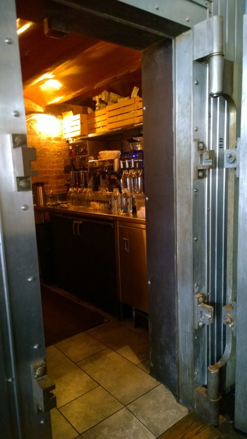 052318-vault-at-Hourly-Oyster-CambridgeMA