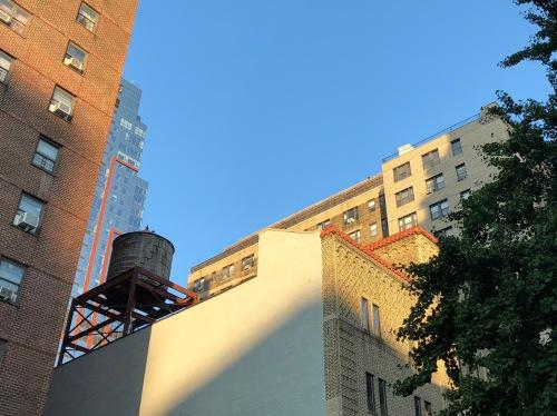 081018-NYC-water-tank