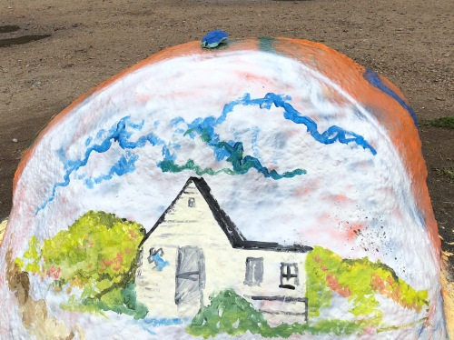 081818-Painted-Rock-house