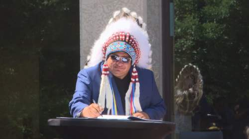 winnipeg-indigenous-accord-signing