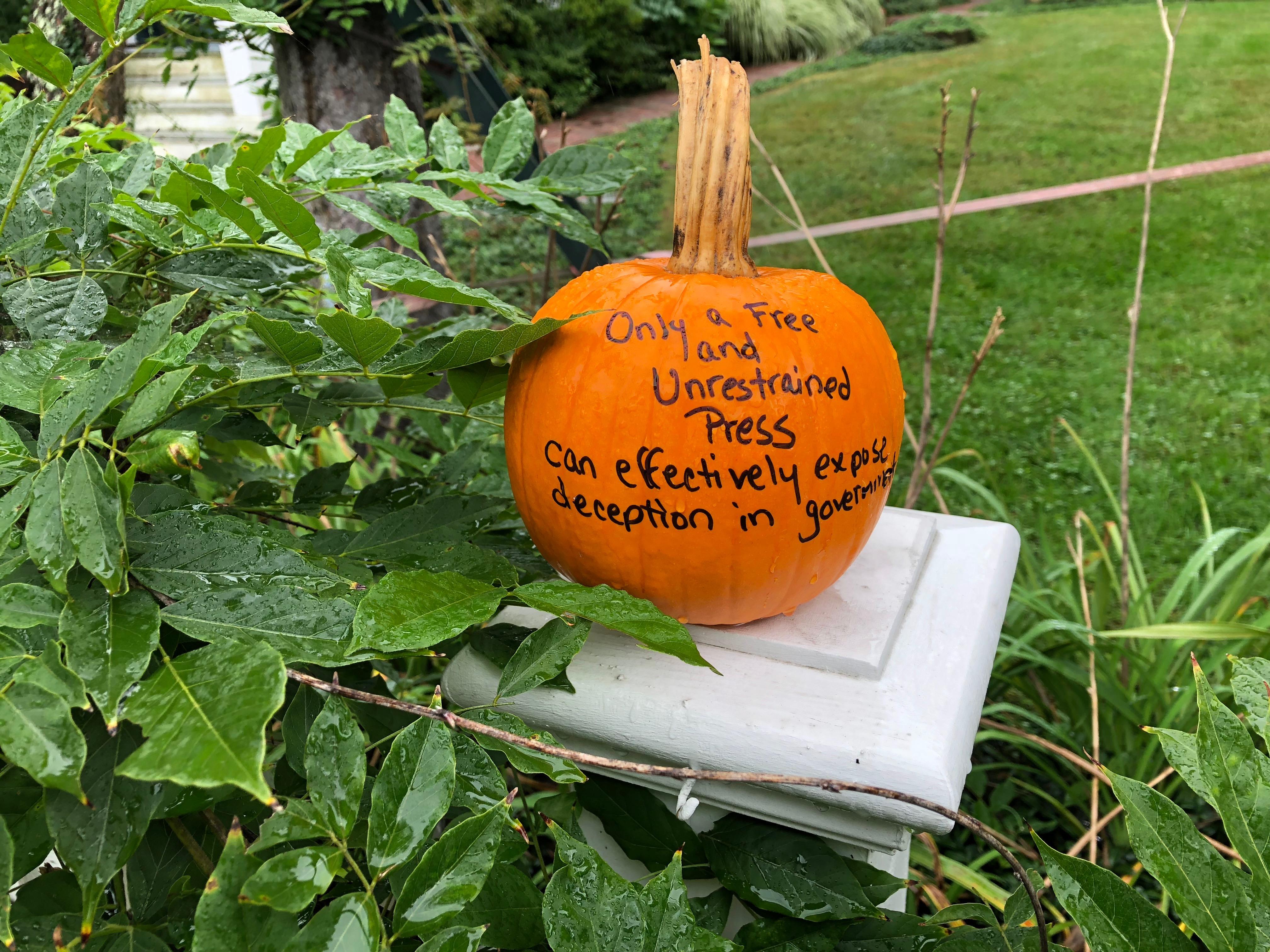 092818-Justice-Black-addresses-free-press-on-pumpkin