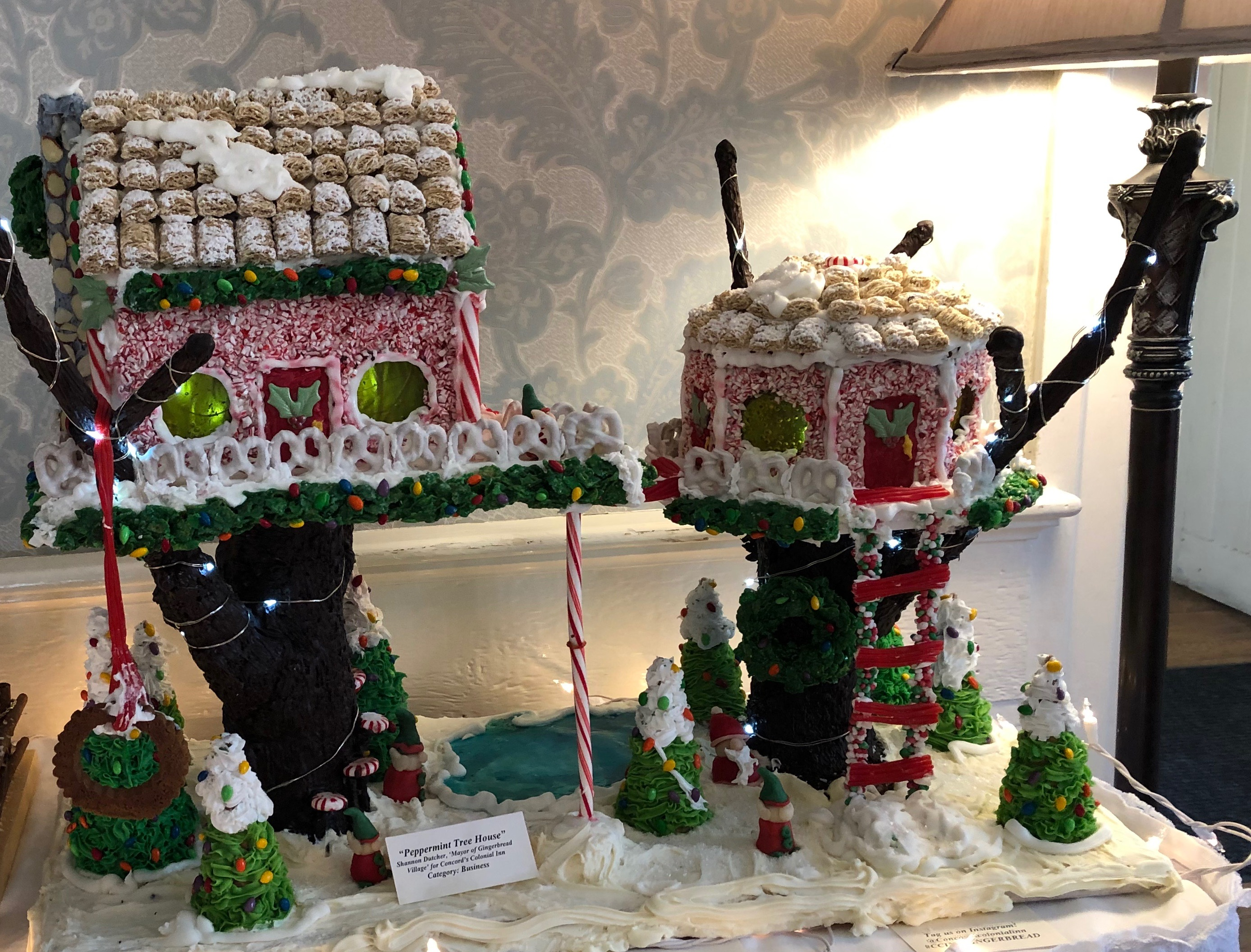 120318-Colonial-Inn-gingerbread-treehouse