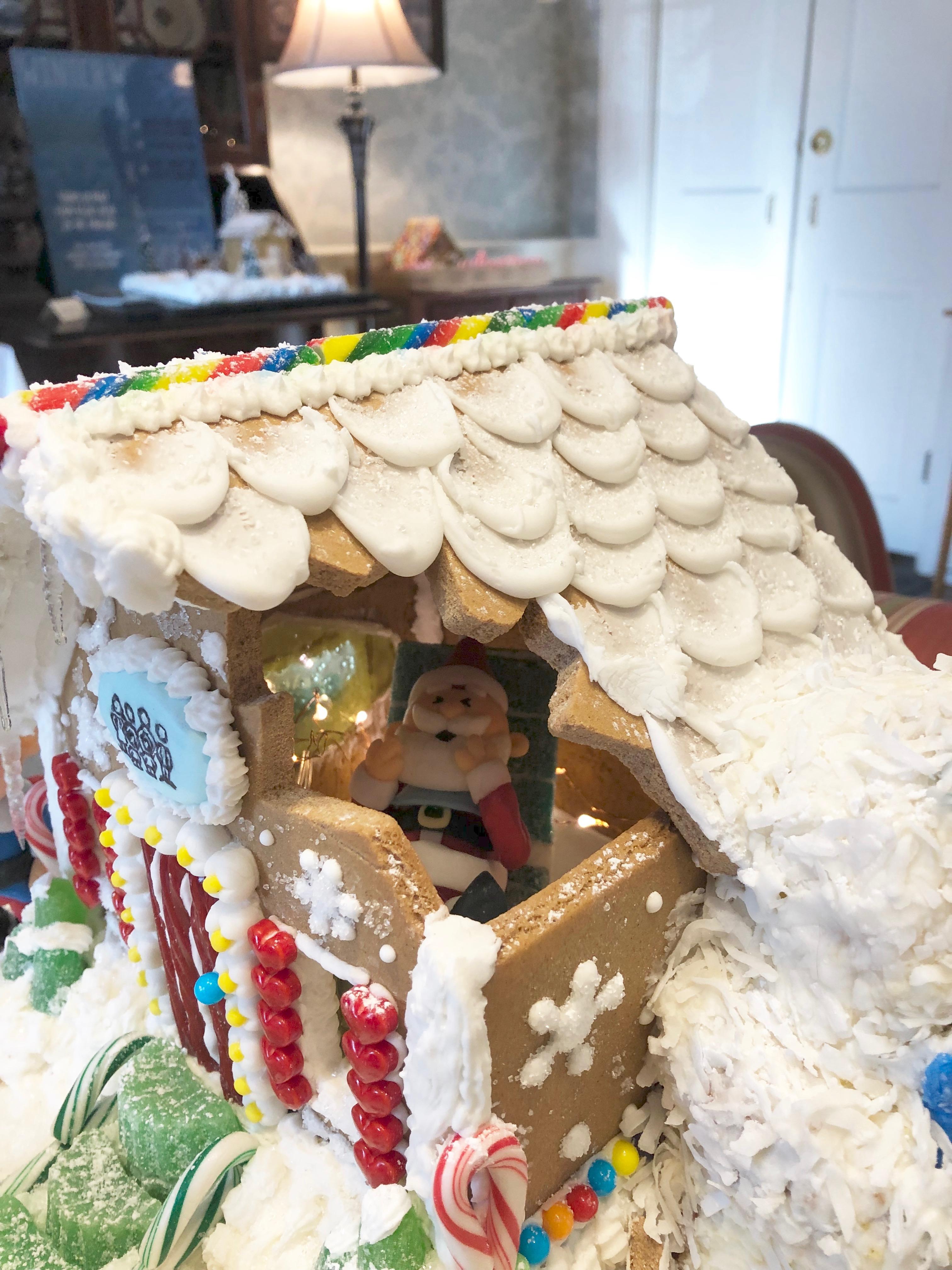 120318-Santa-at-the-dentist
