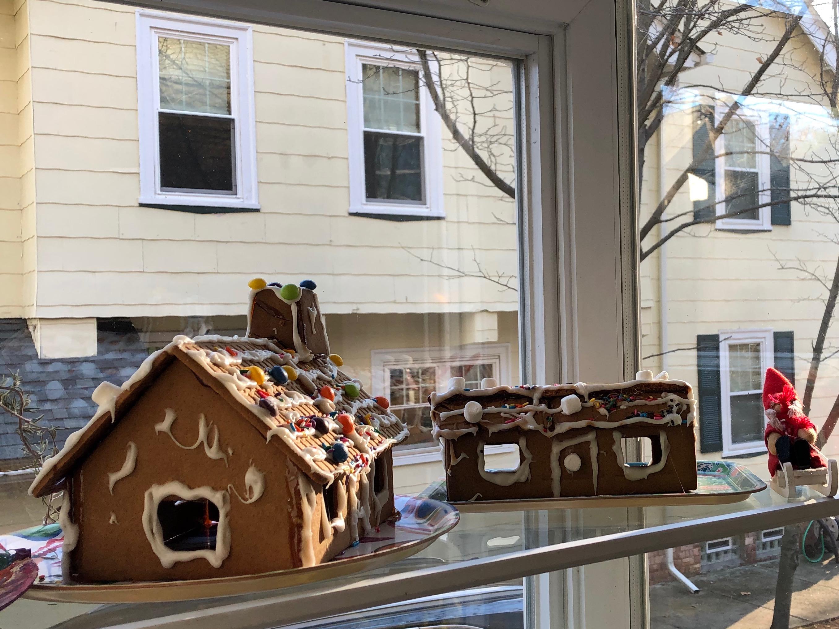 121118-gingerbread-house-plus-garage