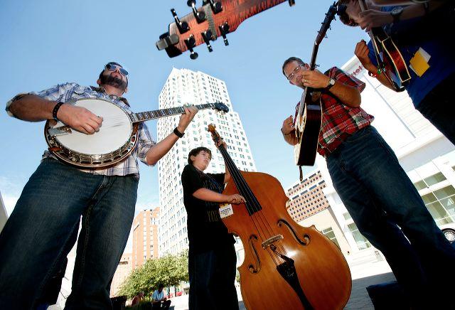bluegrass20jam20at20street20fest-092613-cll-02