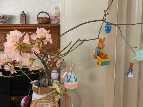 042119-Easter-tree