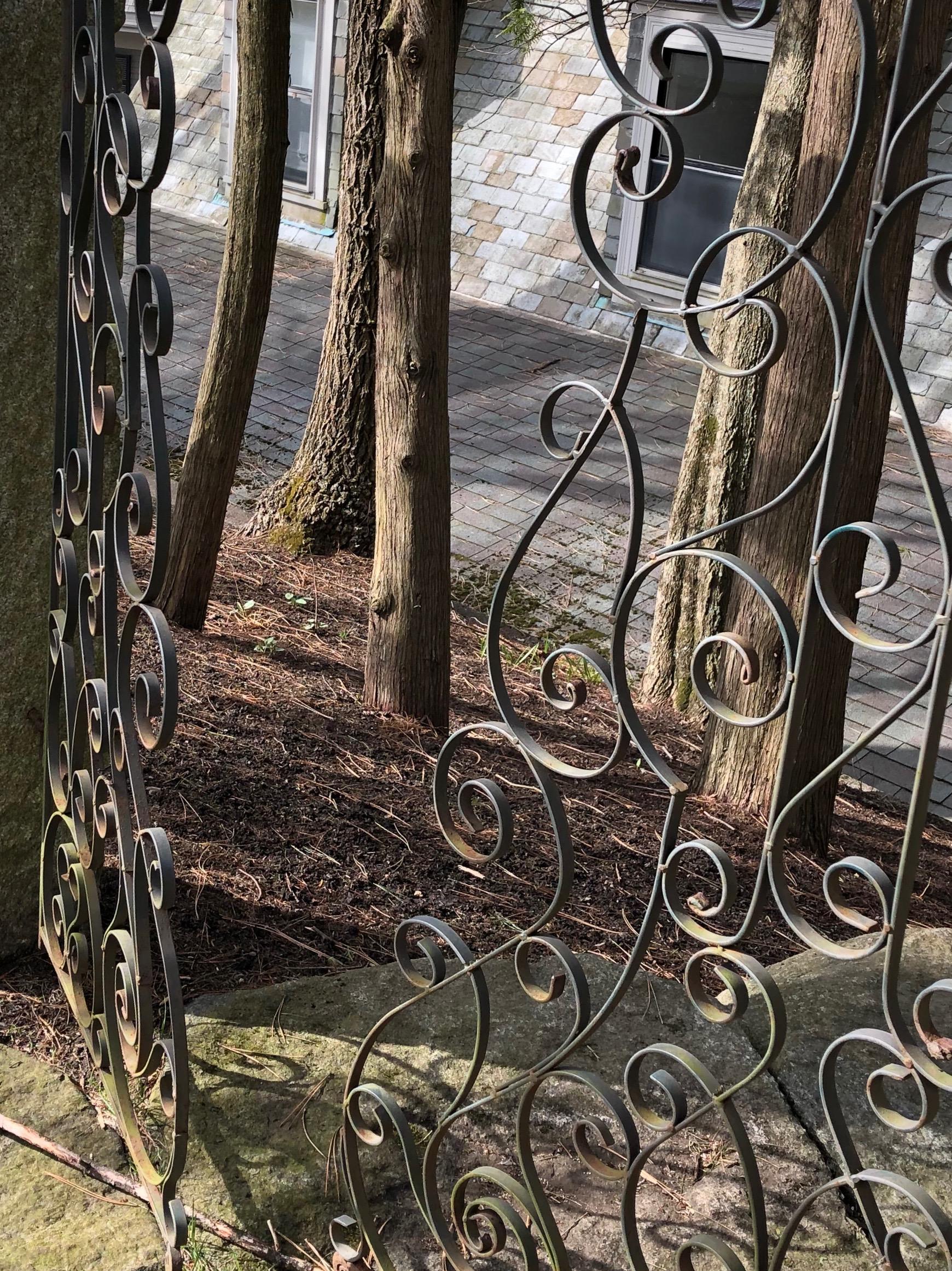 041919-curlicue-gate
