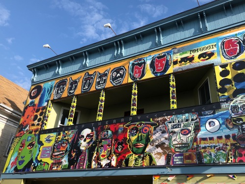 062219-Provincetown-decorated-building