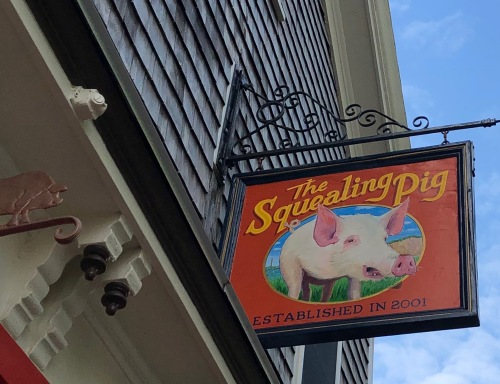 062219-Provincetown-Squealing-Pig