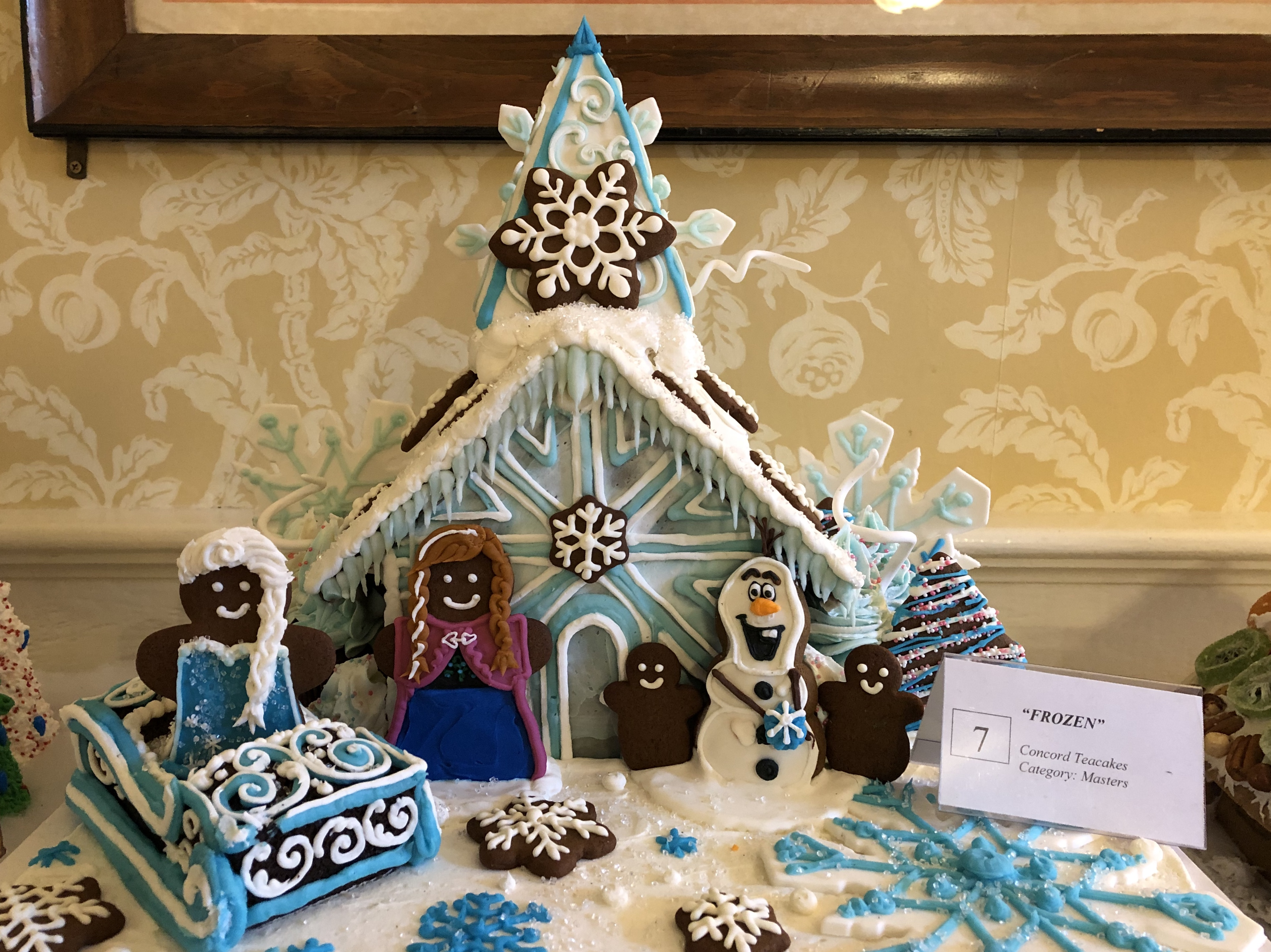 121219-Frozen-movie-as-Gingerbread