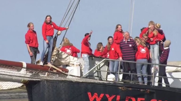 skynews-students-yacht-atlantic_4977292